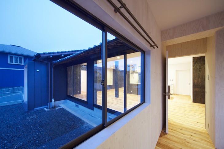 鳥栖の住宅01の部屋 ベッドルームから外を見る(撮影:Y.harigane)