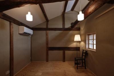 寝室1 (Hazukashi house)