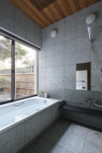 浴室 (Yamashina house)