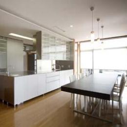 2階ダイニングキッチン(撮影:Nobutoshi Izumi) (松任茶屋の家)