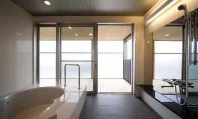 3階展望露天風呂(撮影:Nobutoshi Izumi)|松任茶屋の家