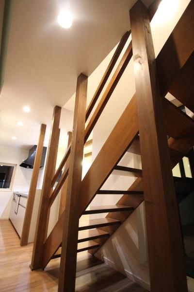 階段(撮影:hiroyuki ohtani) (Nさんの家)
