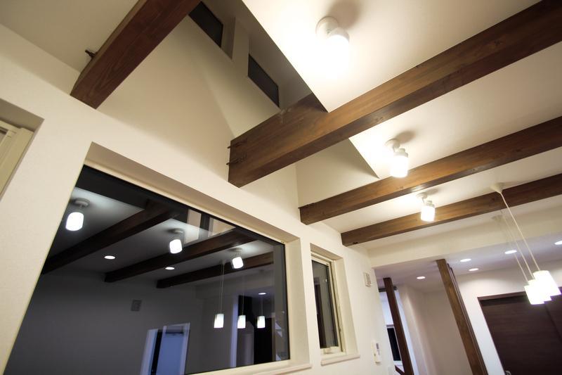 Nさんの家の部屋 天井つくり(撮影:hiroyuki ohtani)