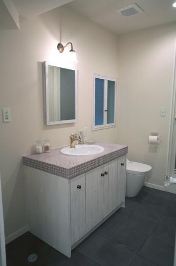 O邸の写真 洗面・トイレ周り