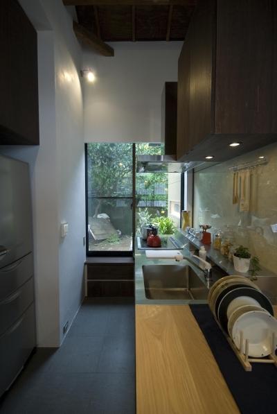 キッチン (ビフォーアフターで放送された和モダンリノベーション/重くて遠い家)