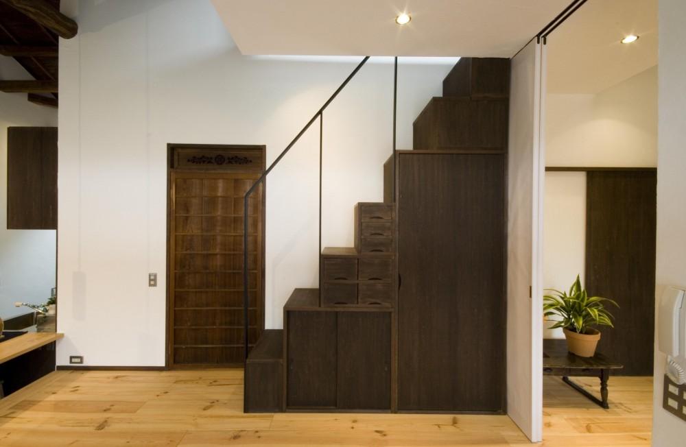 ビフォーアフターで放送された和モダンリノベーション/重くて遠い家 (階段)