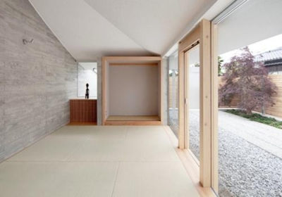 庭に面した和室(撮影:Kouji Okamoto) (中津の住宅)