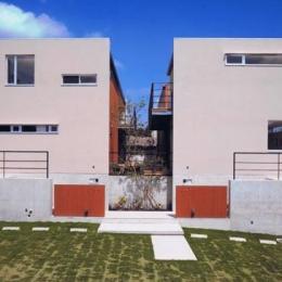 HOUSE O+U (二世帯住宅の外観(撮影:JIKUart))