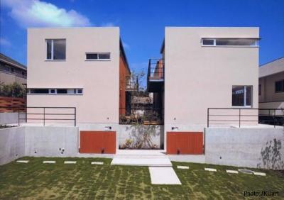二世帯住宅の外観(撮影:JIKUart) (HOUSE O+U)