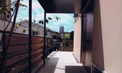 HOUSE O+U (玄関ポーチ(撮影:JIKUart))