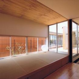 HOUSE O+U (畳スペース(撮影:JIKUart))