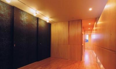 HOUSE O+U (ベッドルーム-B2(撮影:JIKUart))