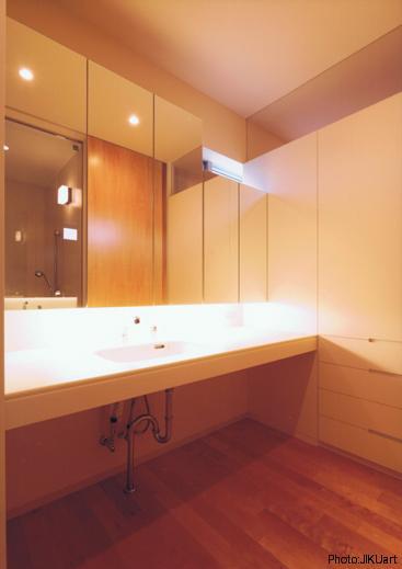 HOUSE O+Uの写真 洗面スペース(撮影:JIKUart)