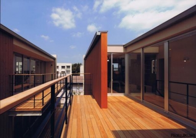 HOUSE O+U (二世帯住宅の空間のつながり3(撮影:JIKUart))