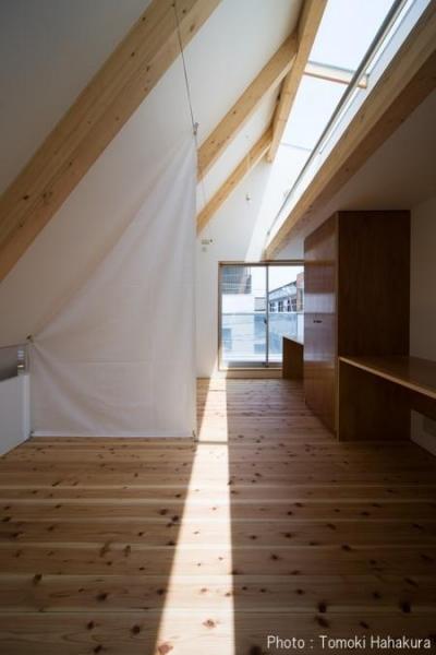個室 (H house (狭小地の住宅))