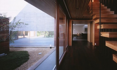 木ルーバーの家