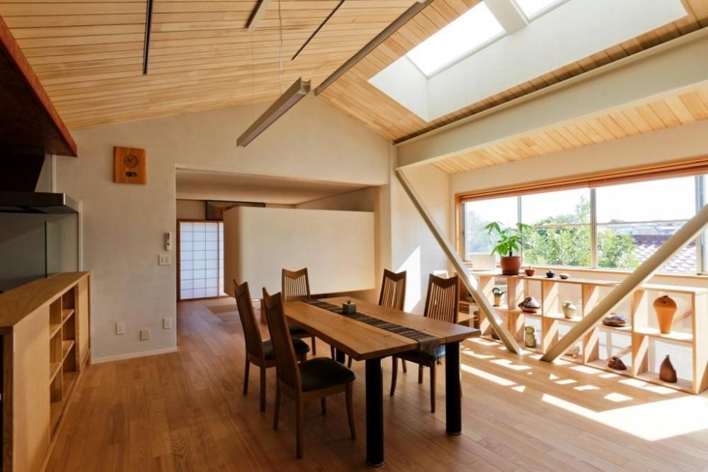 大きな船底天井のある家 (LDK1)