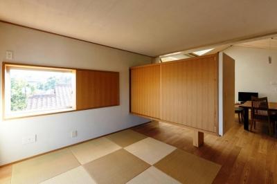 和室 (大きな船底天井のある家)