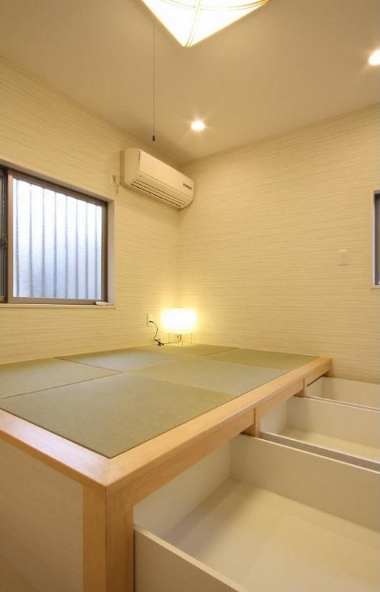 アイランドキッチンのある家の写真 和室