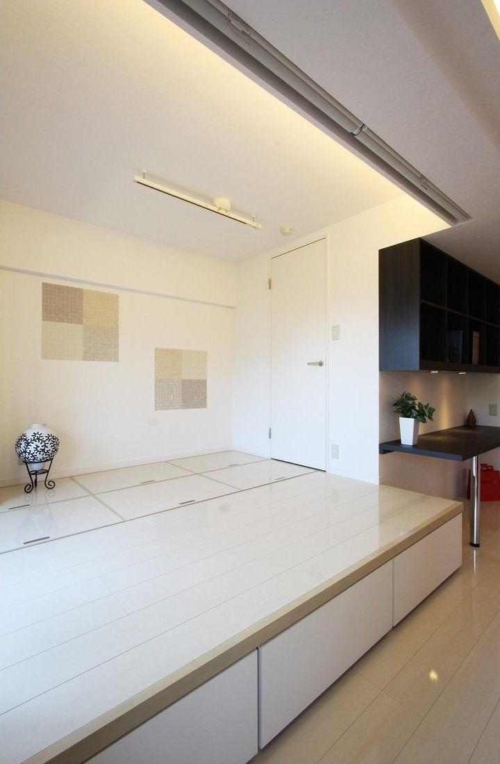 赤×白のモダンなお家 (大容量の収納を誇る和室)