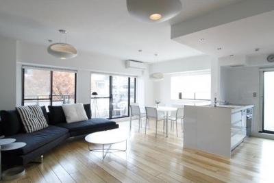 白を基調としたシンプルクールな家 (シンプルクールな居住空間)