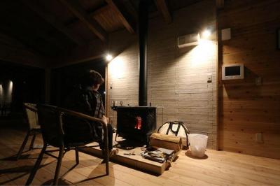 薪ストーブのある別荘 (薪ストーブ)