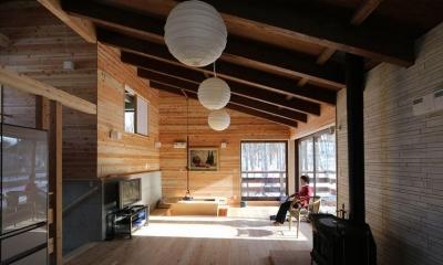 薪ストーブのある別荘 (陽だまりのリビング)