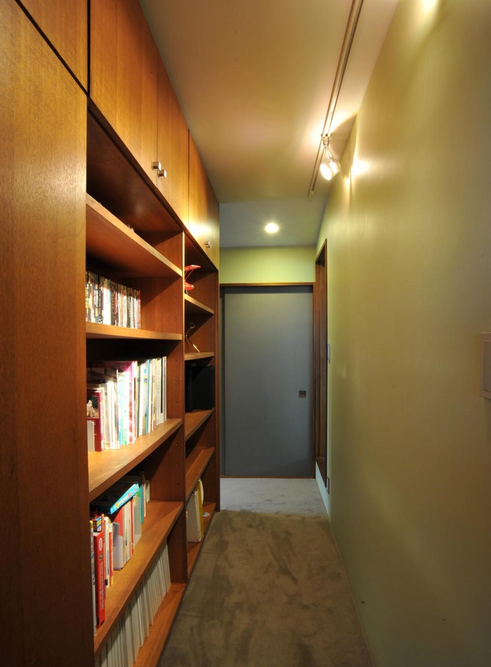 廊下の収納 (美しが丘の家改修)