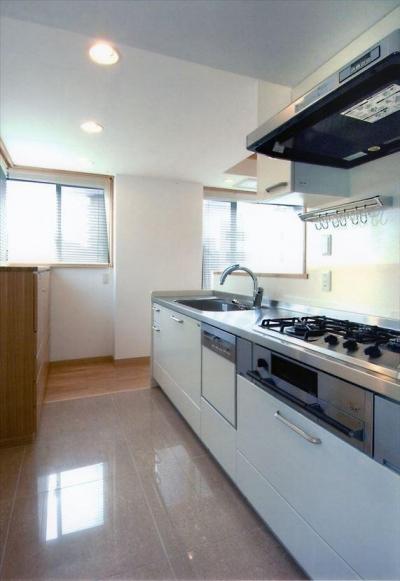 HOUSE+5 (フルオーダーキッチン)