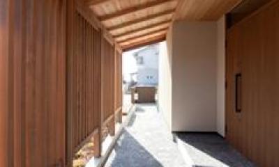 玄関アプローチ(撮影:車田写真事務所)|植田の家 VI