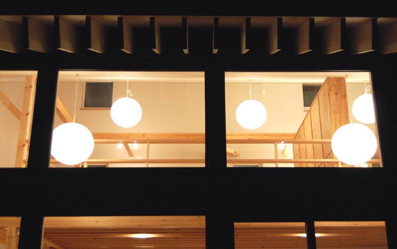 Bookshelf (外から照明を見る)