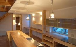 Bookshelf (収納たっぷりのキッチン)