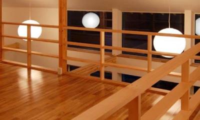 Bookshelf (吹き抜け空間の明かり)