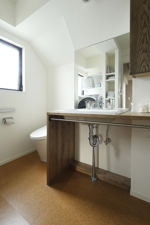 U邸・全面リフォーム!家族が快適に暮せる住まいの部屋 トイレ・洗面