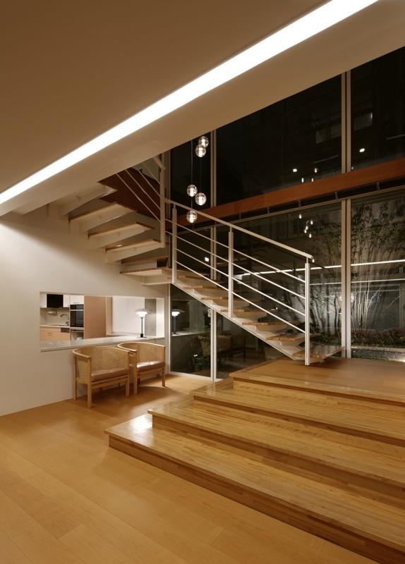 K邸の写真 階段
