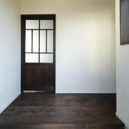 Y邸・昔懐かしい昭和時代のレトロな住まい (玄関)