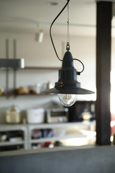 照明2 (Y邸・昔懐かしい昭和時代のレトロな住まい)