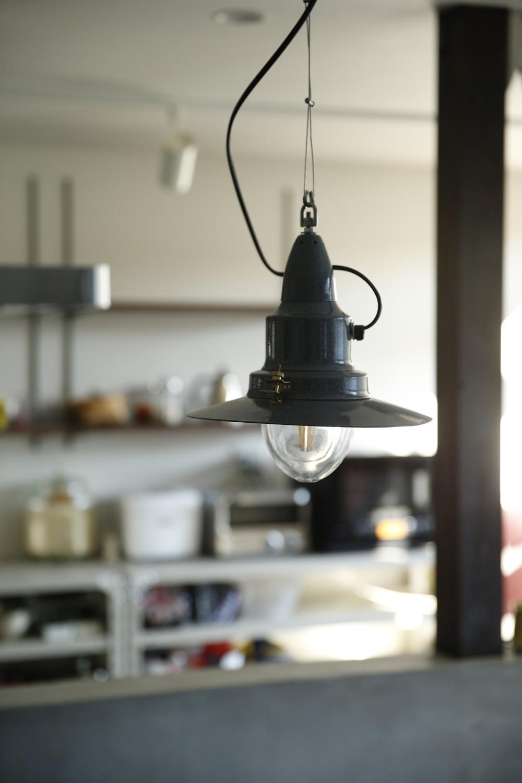 Y邸・昔懐かしい昭和時代のレトロな住まいの写真 照明2