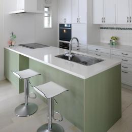 CUCINA キッチン 実例 (グリーンのキッチンインテリア)