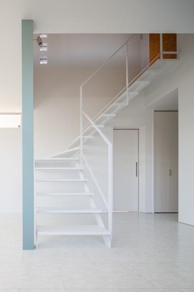 大山崎の家 (シースルー階段)