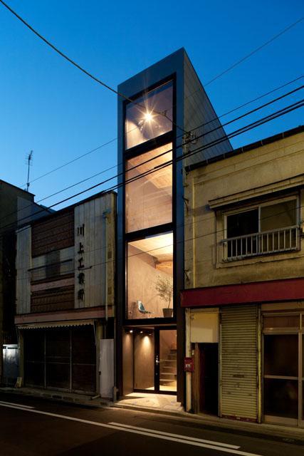 建築家:相原まどか「1.8M幅の家」