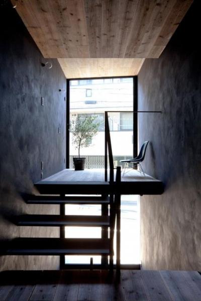 リビングスペース(撮影:傍島利浩) (1.8M幅の家)