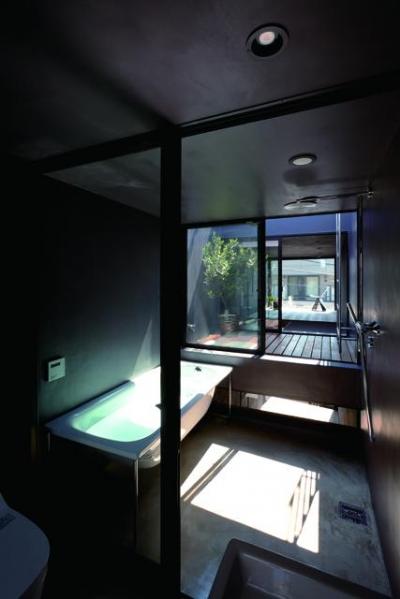 浴室(撮影:傍島利浩) (1.8M幅の家)