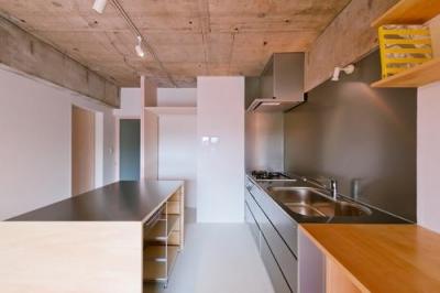 キッチン(撮影:RYOHEI HAMADA) (house TA)