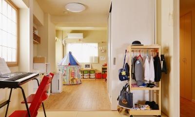 鎌倉市I様邸 ~こだわりの間取り・素材・色で作る子育て住まい~ (リビングから子供部屋までひとつなぎの空間)