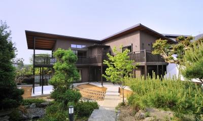 T邸-古都に建つ桜と池を望む家-奈良