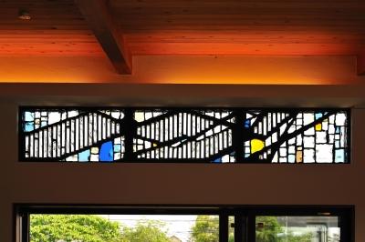 ステンドグラス1 (T邸-古都に建つ桜と池を望む家-奈良)