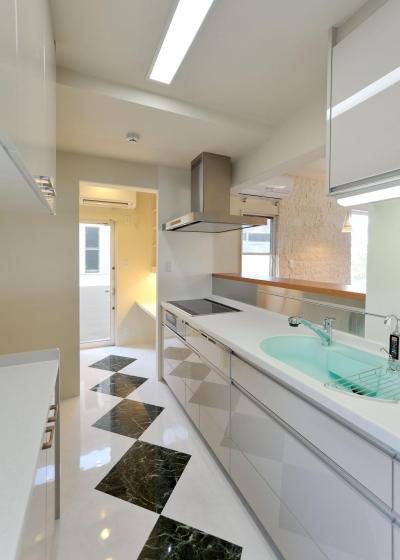 キッチン (T邸-RC造で地震に強く外断熱の家-神戸)