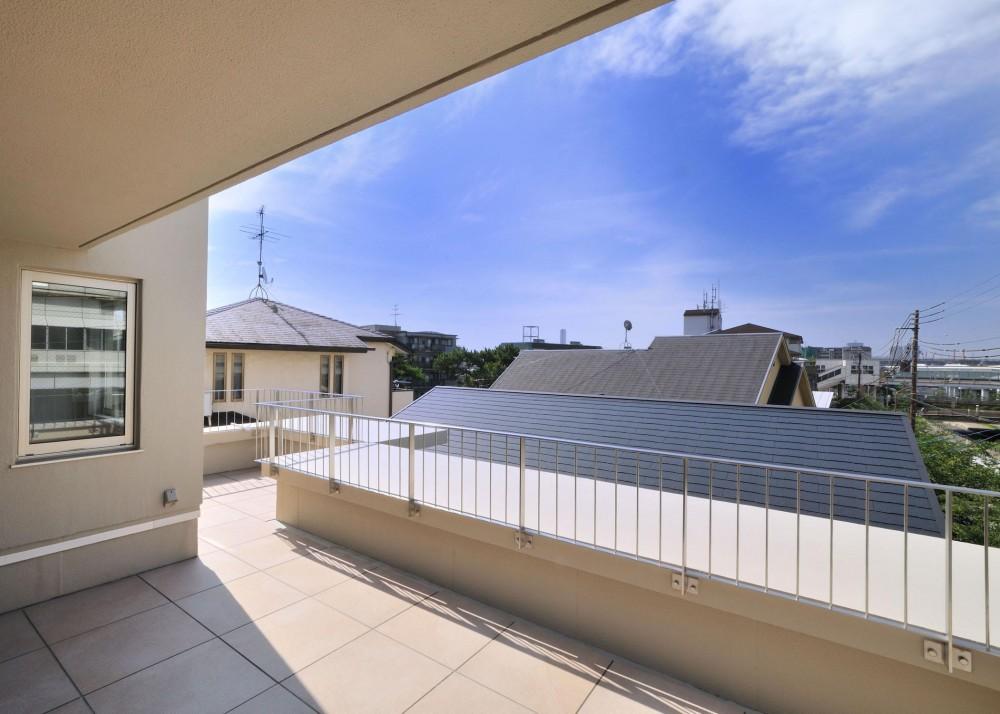 T邸-RC造で地震に強く外断熱の家-神戸 (テラス)