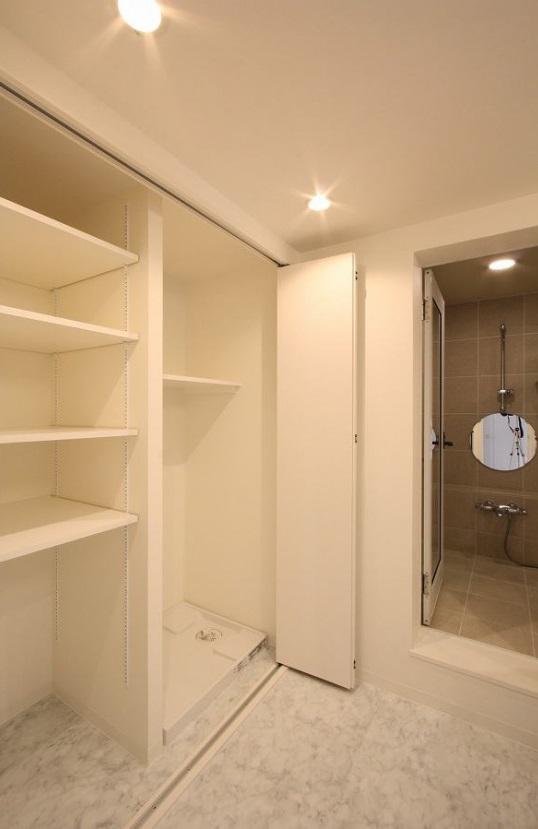 統一感のある家の写真 洗濯機置き場